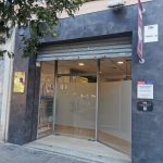 Fachada y puerta principal aulas KOIRA Centro de Formación para Adiestradores Caninos Profesionales en Valencia